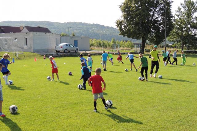 Futbalovo-florbalový denný camp Beckov